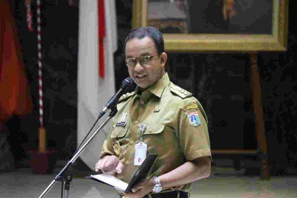 Gubernur DKI Jakarta Anies Baswedan melepas sebanyak 852 petugas pemeriksa kesehatan hewan untuk menghadapi momen Iduladha. Proses pelepasan ini dilakukan di Balai Kota, Jakarta Pusat, Selasa (21/8)./JIBI/BISNIS - Regi Yanuar