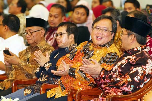 Menteri Perencanaan Pembangunan Nasional/Kepala Badan Perencanaan Pembangunan Nasional Bambang Brodjonegoro (kedua kanan) - JIBI/Dwi Prasetya