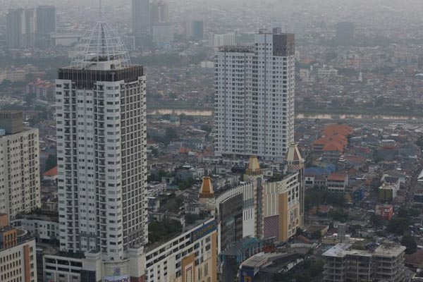 Properti Jakarta. - Reuters/Darren Whiteside