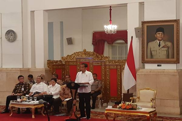 Presiden Joko Widodo menyampaikan kata pengantar dalam Sidang Kabinet Paripurna dengan topik Nota Keuangan dan Rancangan APBN Tahun Anggaran 2019 di Istana Negara,  Jakarta, Selasa (7/8). - JIBI/Yodie Hardiyan