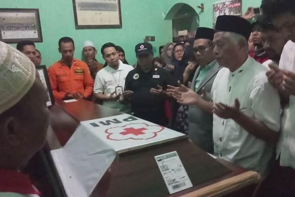 Suasana pembacaan doauntuk almarhum Afni Fastabiq Strata Utama - Istimewa