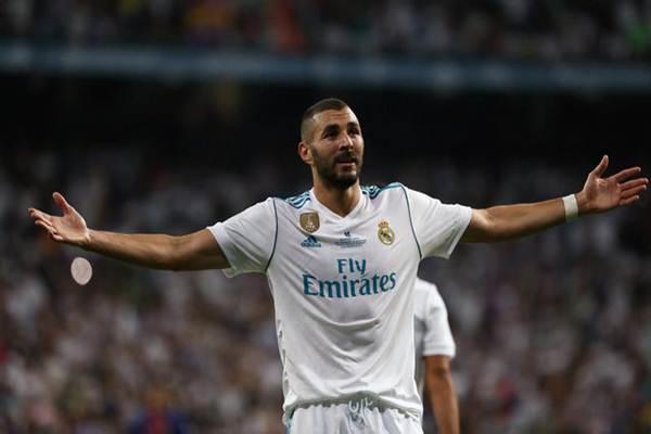 Penyerang Real Madrid Karim Benzema - Reuters