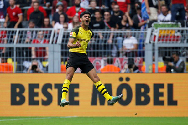 Gelandang Borussia Dortmund Mahmoud Dahoud - Reuters/Leon Kuegeler
