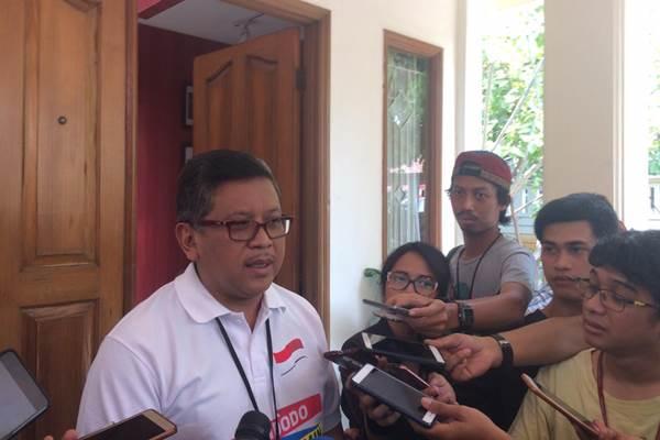 Sekjen PDIP Hasto Kristiyanto saat memberi keterangan kepada wartawan di Posko Cemara,  Jakarta (27/8/2018). - Bisnis/M. Ridwan
