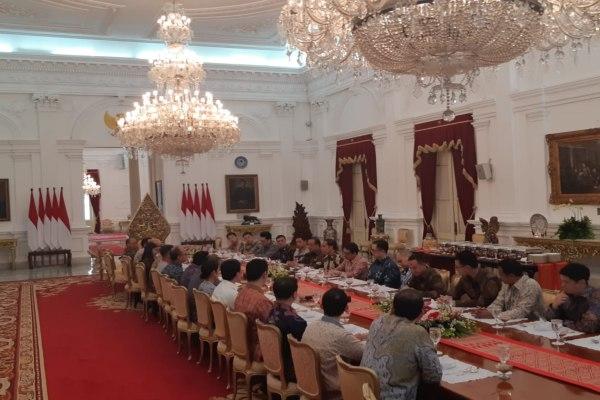 Presiden Jokowi bertemu dengan putra-putri generasi kedua konglomerat Indonesia di Istana Negara. - Bisnis/Yodie Hardiyan