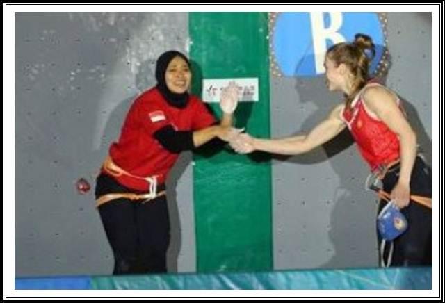 Atlet panjat tebing Indonesia Aries Susanti peraih medali nomor speed pada panjat tebing Asian Games 2018 - Istimewa