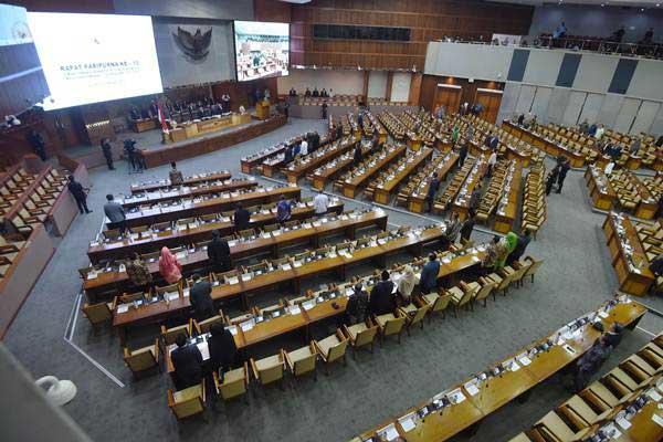 Suasana Sidang Paripurna DPR di Kompleks Parlemen, Senayan, Jakarta, Selasa (9/10). - ANTARA/Akbar Nugroho Gumay