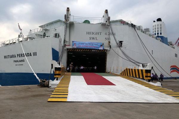 Kapal tol laut Mutiara Persada III siap bergerak dari Pelabuhan Panjang, Bandar Lampung, ke Tanjung Priok, Jakarta - Antara