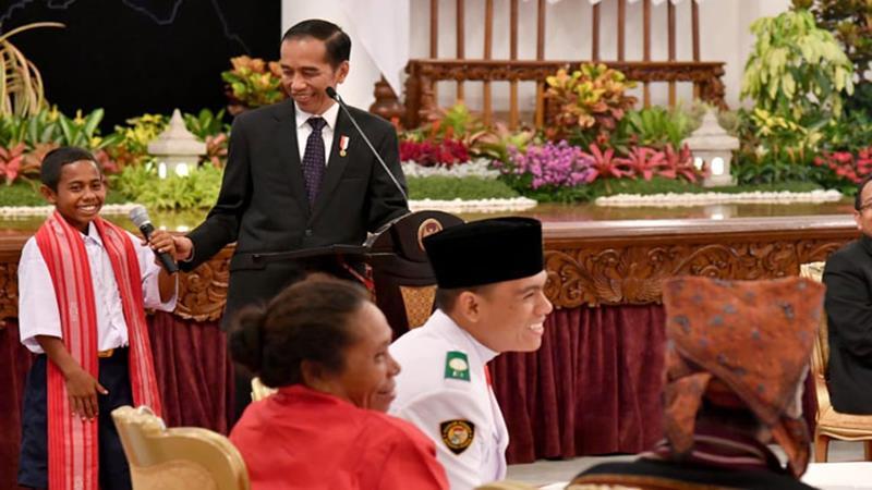 Presiden Jokowi dan  Yohanes Andekala Marcal Lau alias Joni Gala - Biro Pers Setpres