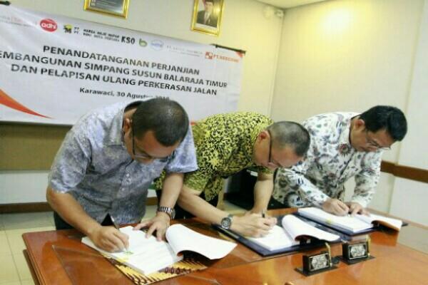 penandatanganan Perjanjian Pembangunan Simpang SusunBalaraja Timur pada Jalan Tol Tangerang-Merak Tahun 2018 - istimewa.