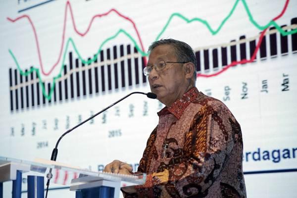 Menko Perekonomian Darmin Nasution menyampaikan paparan dalam acara Digital Economic Briefing, di Jakarta, Kamis (16/11). - JIBI/Felix Jody Kinarwan