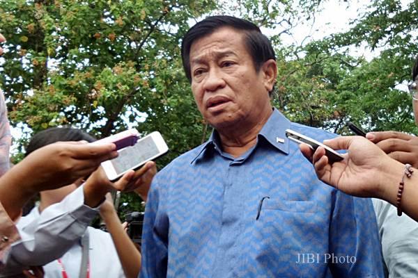 Ketua Dewan Kehormatan PSSI Agum Gumelar di kompleks Istana Kepresidenan Jakarta, Senin (8/6/2015) - JIBI/Akhirul Anwar