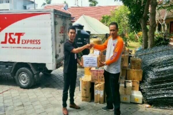 J&T Express Salurkan 400 Kilogram Bantuan - Ist