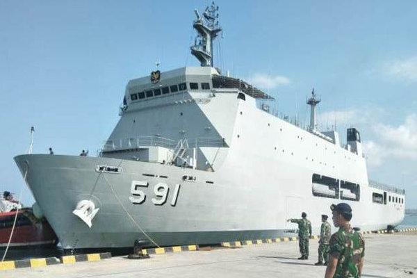 Kapal perang TNI-AL KRI Surabaya 591 merapat di Pelabuhan Benoa, Senin (1/10 - 2018).