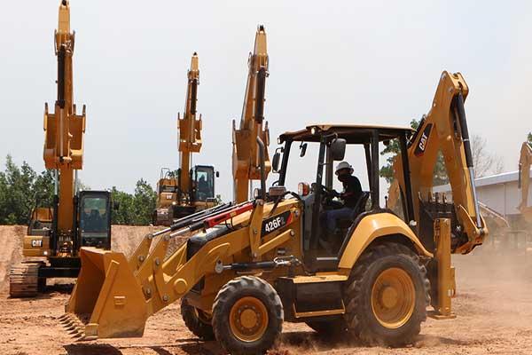 Hydraulic Excavator Generasi Next Gen Cat 320 GC dan 320 menjadi andalan Excavator merk Trakindo - Arief Rahman