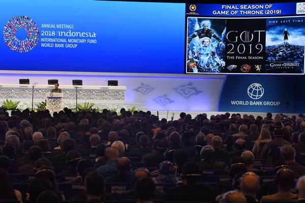 Presiden Joko Widodo menyampaikan sambutan pada Pertemuan Tahunan IMF World Bank Group 2018 di Nusa Dua, Bali, Jumat (12/10/2018). - ANTARA/Puspa Perwitasari