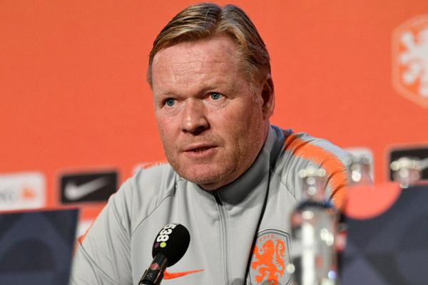 Pelatih Timnas Belanda Ronald Koeman - Reuters/Piroschka van de Wouw