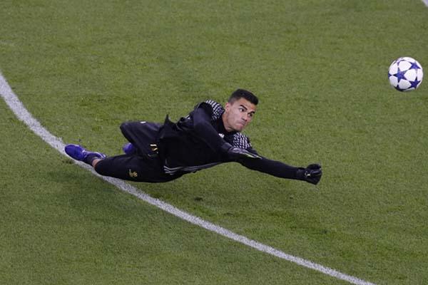 Kiper Sampdoria berdarah Indonesia, Emil Audero Mulyadi - Reuters/Phil Noble