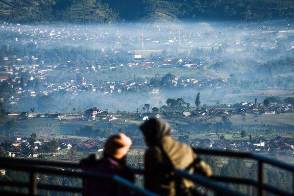 Ilustrasi: Perdesaan tertutup kabut di Lembang, Kabupaten Bandung Barat, Jawa Barat. - Antara/Raisan Al Farisi