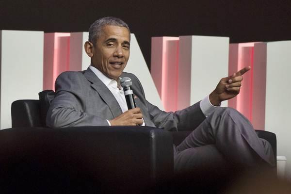 Mantan Presiden Amerika Serikat Barack Obama menjawab pertanyaan dalam diskusi Kongres Diaspora Indonesia ke-4 di Jakarta, Sabtu (1/7). - ANTARA/Rosa Panggabean