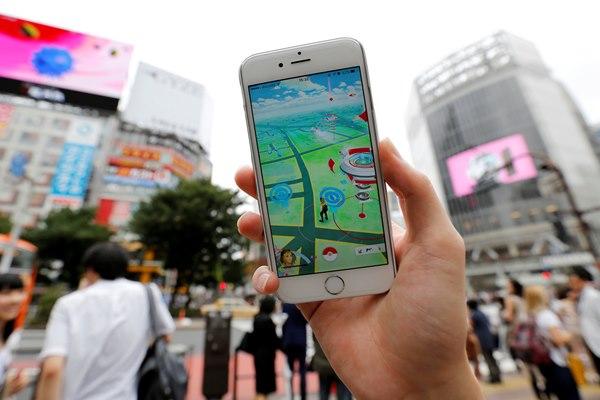 Demam Pokemon GO - Reuters