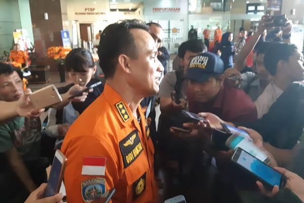 Direktur Kesiapsiagaan Basarnas Didi Hamzar dalam konferensi pers update di Kantor Pusat Basarnas terkait pencarian pesawat Lion Air JT 610 dan korban hilang. - Bisnis/Muhammad Ridwan