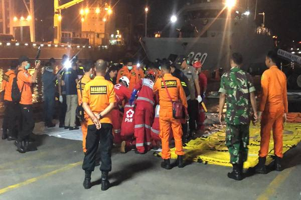 Sebanyak  24 kantong jenazah korban tragedi Lion Air JT 610 siap dikirim ke RS Polri Kramatjati./JIBI - BISNIS/Sholahuddin Al Ayubbi