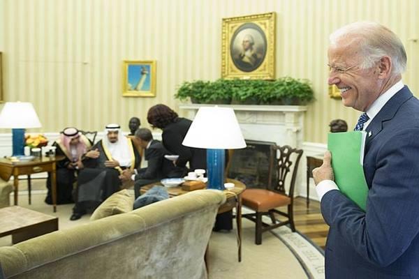 Pertemuan Raja Salman dan Presiden AS Barack Obama di Gedung Putih disaksikan Wapres AS Joe Biden - News.com.au