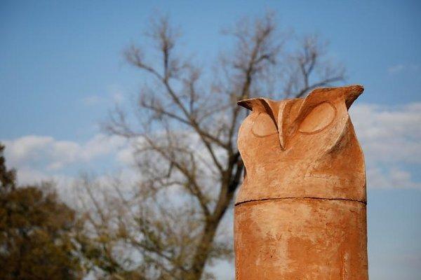 Monumen burung hantu di Kikinda, Serbia, 14 November 2018. - Reuters/Marko Djurica