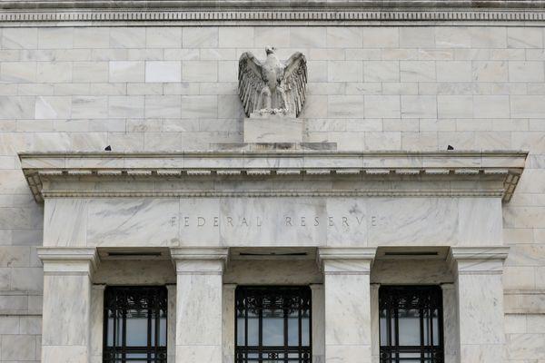 Tampilan depan gedung The Federal Reserve di Washington, DC, AS, Rabu (22/8). - Reuters/Chris Wattie