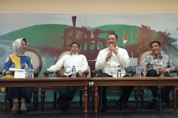 Ketua DPR Bambang Soesatyo (Bamsoet) memberikan keterangan pers terkait rencana