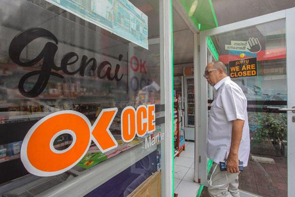 Gerai OK OCE Mart di Jakarta. - Antara/Muhammad Adimaja