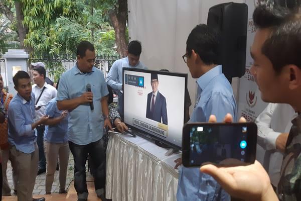 Cawapres Sandiaga Uno saat meresmikan situs https://prabowo-sandi.com di Media Center Prabowo-Sandi Jakarta, Rabu (21/11 - 2018).