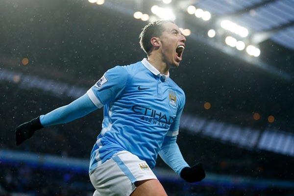 Samir Nasri saat membela Manchester City - Reuters
