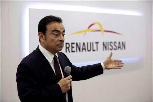Carlos Ghosn, Chairman and CEO of the Renault-Nissan Alliance: Dituduh menyembunyikan penghasilan - Reuters