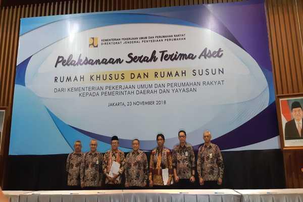 Serah Terima Aset Rumah Khusus dan Rumah Susun dari Kementerian PUPR kepada Pemda dan Yayasan pada Jumat (23/11/2018)  -  Finna U. Ulfah
