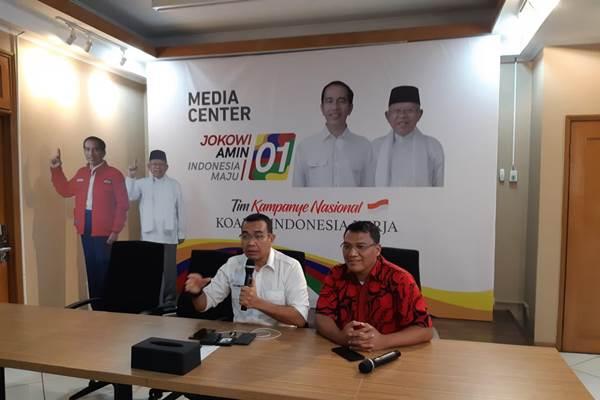 Arya Sinulingga (Kiri), Juru Bicara Tim Kampanye Nasional Jokowi-Maruf Amin. - Bisnis/Muhammad Ridwan