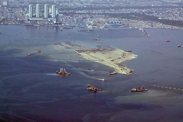 Reklamasi Teluk Jakarta - Antara/Agus Suparto