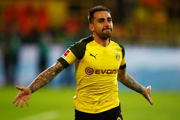 Penyerang andalan Borussia Dortmund Paco Alcacer. - Reuters/Wolfgang Rattay