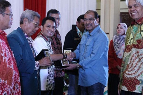 Wakil Ketua DPD RI Nono Sampono (ketiga kanan) pada kegiatan Festival Beasiswa Nusantara di Jakarta pada Sabtu (24/11/2018). - dpd.go.id