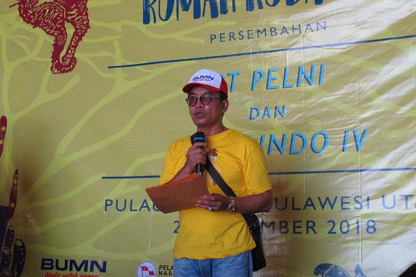 Direktur PT Pelni O. M. Sodikin memberi sambutan pada pembukaan 5th Coral Day di Pulau Bangka, Kabupaten Minahasa Utara, Sulawesi UItara, pada Sabtu (24/11/2018). - Bisnis.com/Lukas Hendra