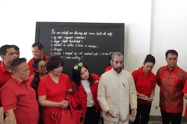 PDIP bawa calon anggota legislatif berlatar belakang artis mengunjungi museum di Jakarta./JIBI/BISNIS - Muhammad Ridwan