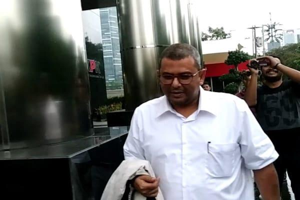 Direktur Keuangan PT PJBI Usai Diperiksa KPK di gedung KPK, Jakarta, Senin (26/11/2018)/ - Bisnis.com // Rahmad Fauzan