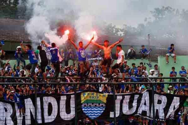 Bobotoh Persib Bandung - Antara/Fahrul Jayadiputra