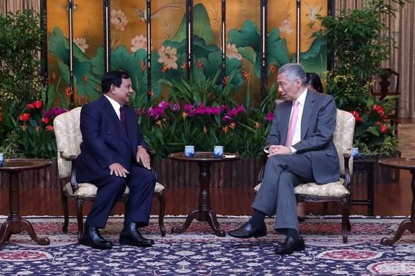 Perdana Menteri Singapura Lee Hsien Loong menerima kunjungan Calon Presiden Prabowo Subianto dalam lawatannya ke Kota Singapura, Senin (26/11/). - Instagram