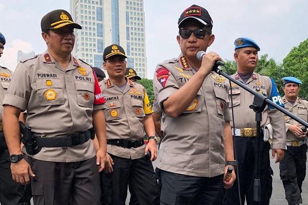 Kapolri Jenderal Pol Muhammad Tito Karnavian dan Wakapolda Metro Jaya Brigjen Pol Purwadi. - Bisnis.com/Sholahuddin Al Ayyubi