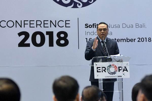Menteri PANRB Syafruddin saat menyampaikan sambutan pada pembukaan Eastern Regional Organization for Public Administration (EROPA) Conference 2018 di Nusa Dua, Bali, Senin (17/9/2018). - ANTARA/Fikri Yusuf