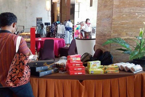 Bazaar produk UMKM di hotel. - Bisnis/Alif Nazzala R.