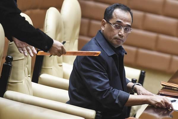 Menteri Perhubungan Budi Karya Sumadi mengikuti rapat kerja dengan Komisi V DPR di Kompleks Parlemen, Senayan, Jakarta, Senin (3/9/2018). - ANTARA/Hafidz Mubarak A