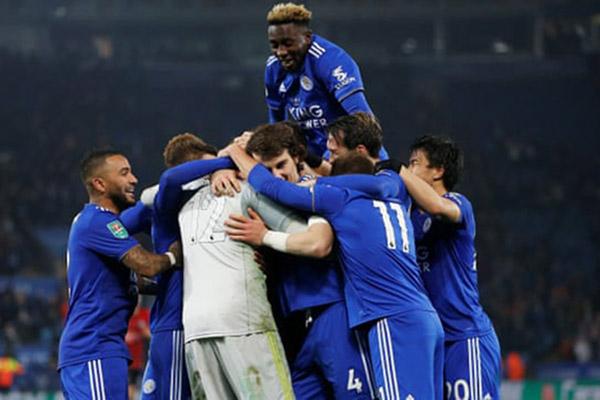 Segenap pemain Leicester City bersukacita selepas menaklukkan Southampton di 16 besar Piala Liga Inggris. - Reuters/Craig Brough